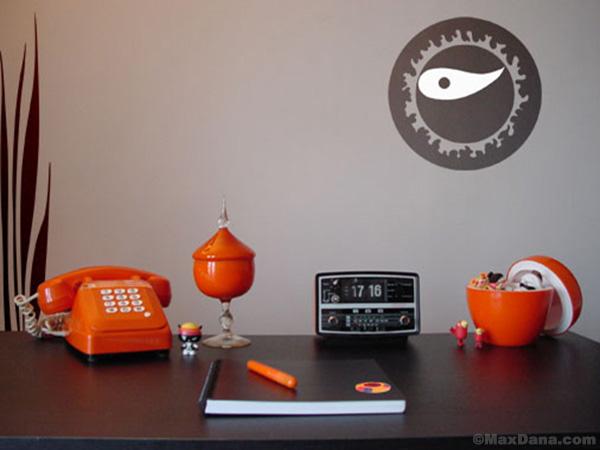 Sama Desk & Stickers